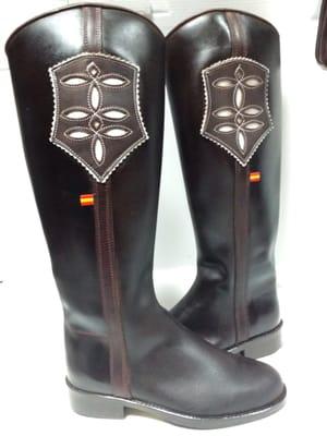 Yelp Reviews For Artesania Gómez New Cobbler Shoe Repair