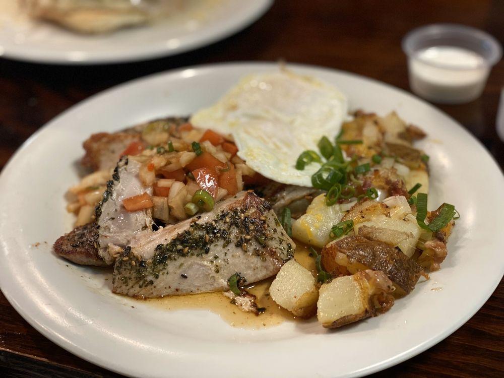 808 Grindz Cafe: 75-5660 Kopiko St, Kailua-Kona, HI