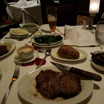"""A great steakhouse experience is waiting for you at Ruth's Chris Steak House in Fresno, California. With our expertly prepared USDA Prime steaks served sizzling on a ° plate and an award-winning wine list, it's no wonder our location was voted """"Best Steak in Fresno"""" by the California Restaurant Association."""