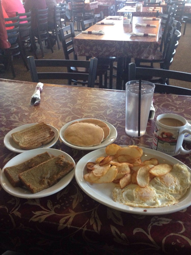 Spring House Grille: 7664 Woodbury Pike, Roaring Spring, PA