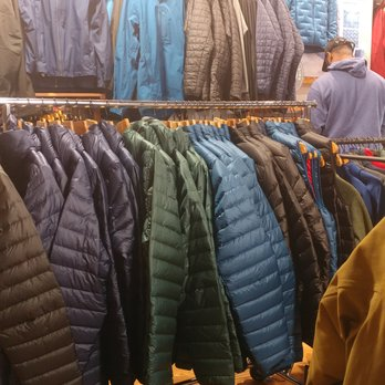 a656f165a29 Patagonia Outlet Freeport - 21 Photos   16 Reviews - Sports Wear - 9 ...