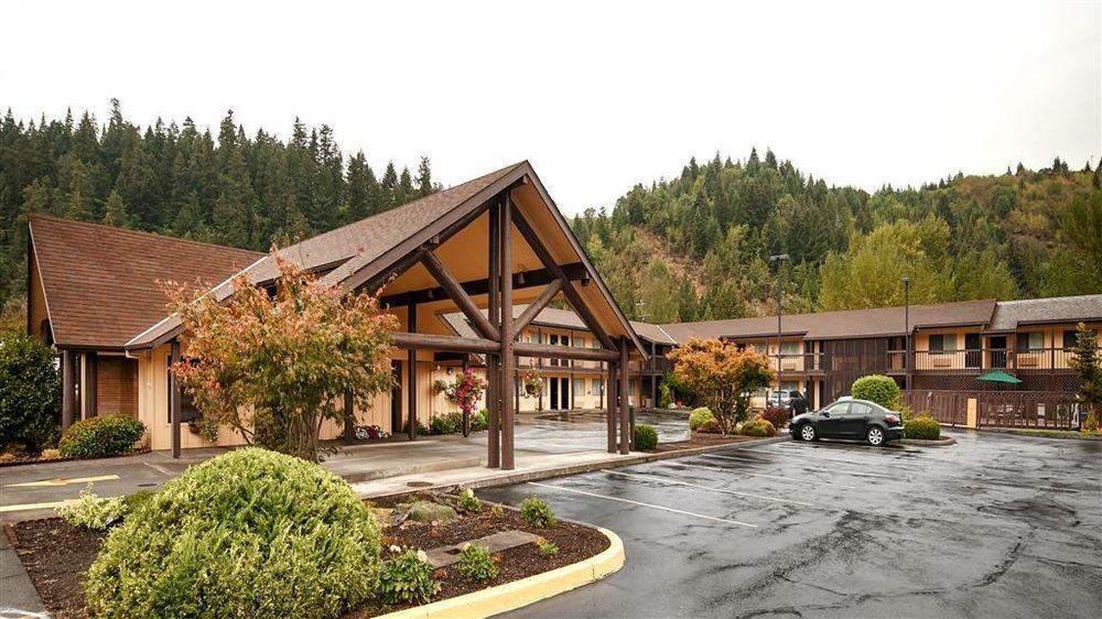 Best Western Oakridge Inn: 47433 Highway 58, Oakridge, OR