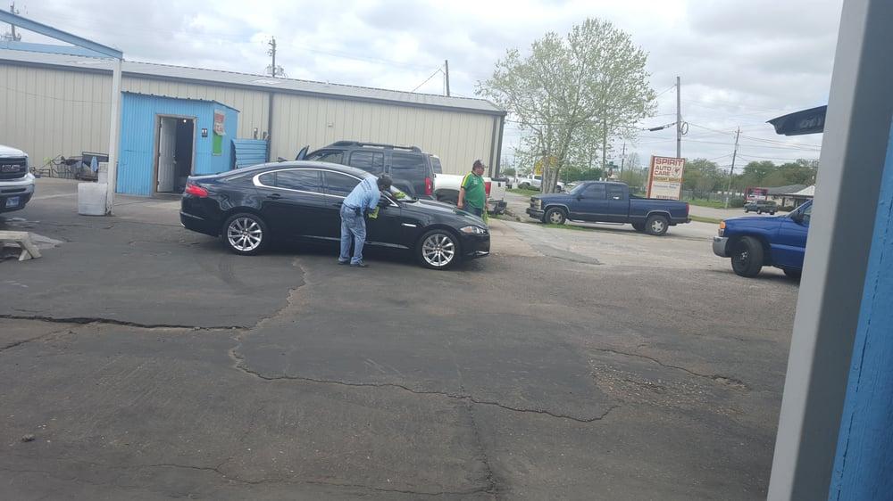 Martinez Car Wash On Fairmont