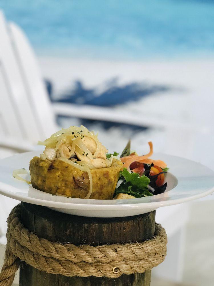 Cayo Azul Latin & Sea food: 2079 E Osceola Pkwy, Orlando, FL