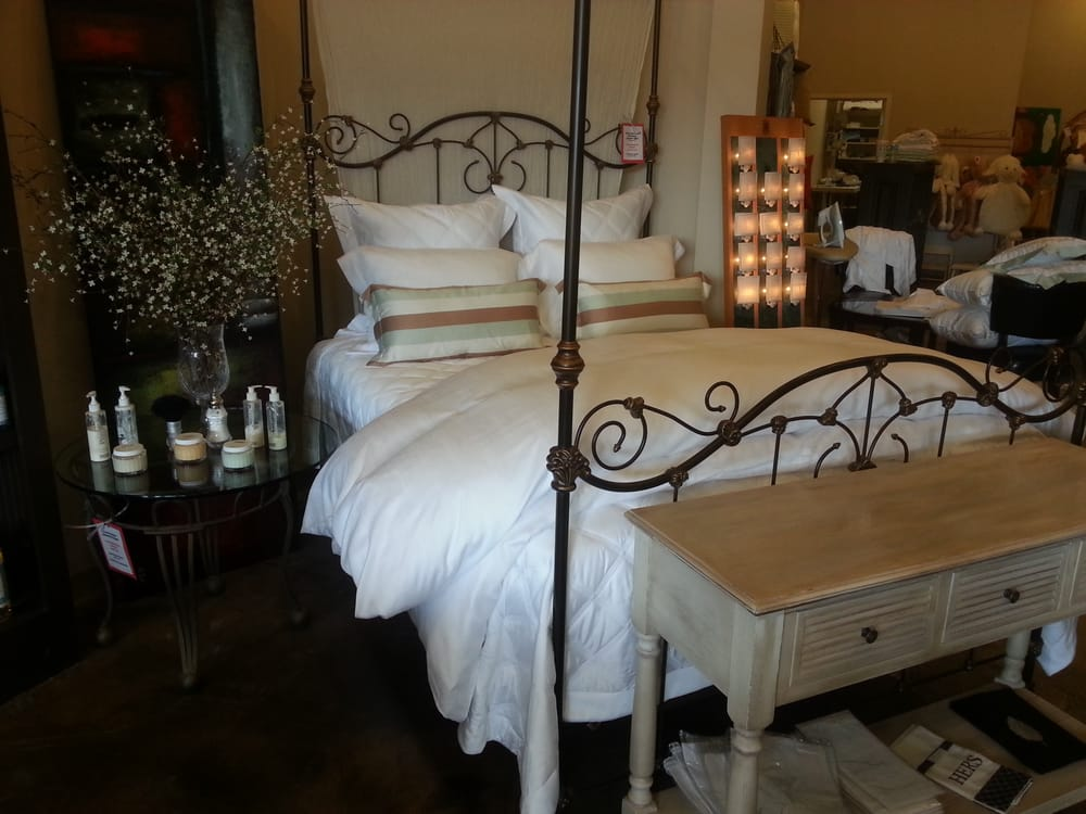 Reverie Fine Linens Down 10 Photos Home Decor 4615 Poplar Ave Au