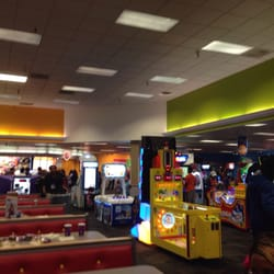 chuck e cheese milwaukee