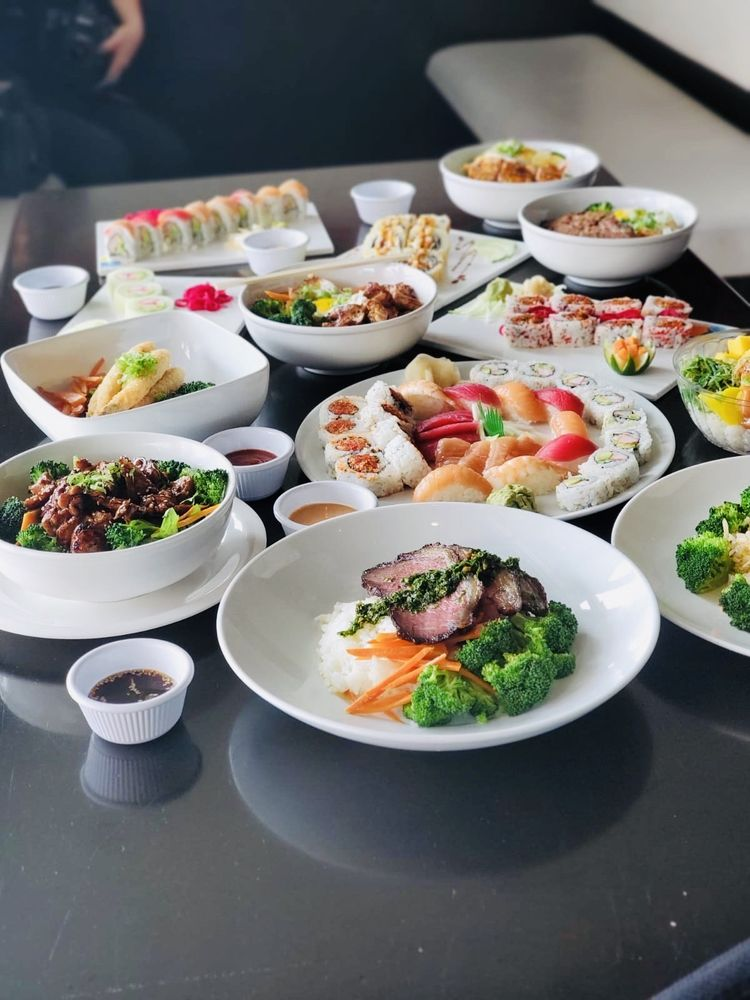 SanTo's Modern American Buffet & Sushi