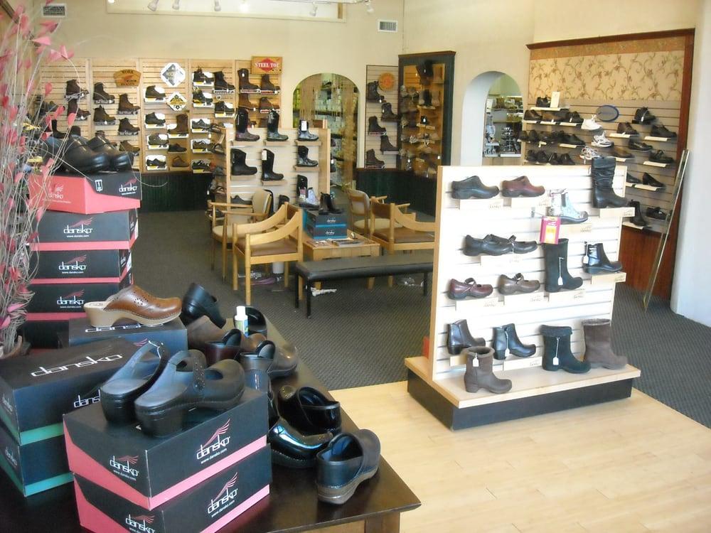 Xenia Shoe & Leather: 21 E Main St, Xenia, OH