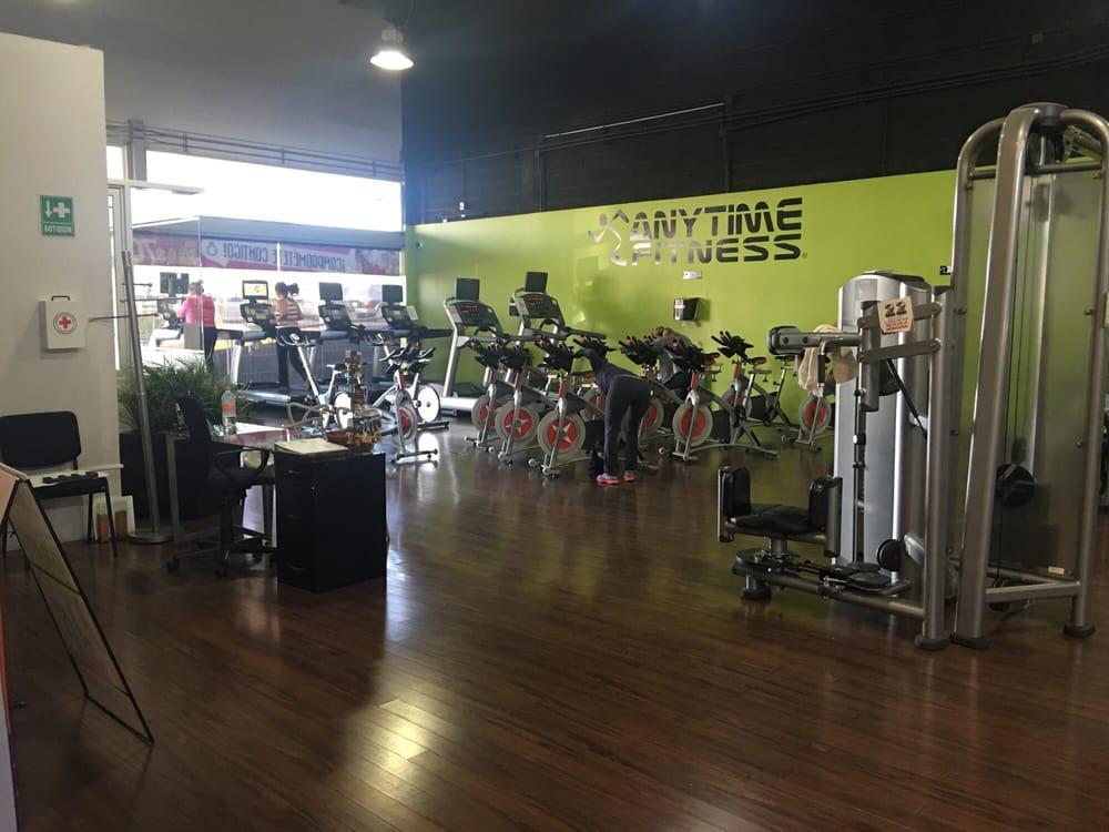 Anytime fitness gimnasios av camino a bosque de san for Gimnasio 4 caminos