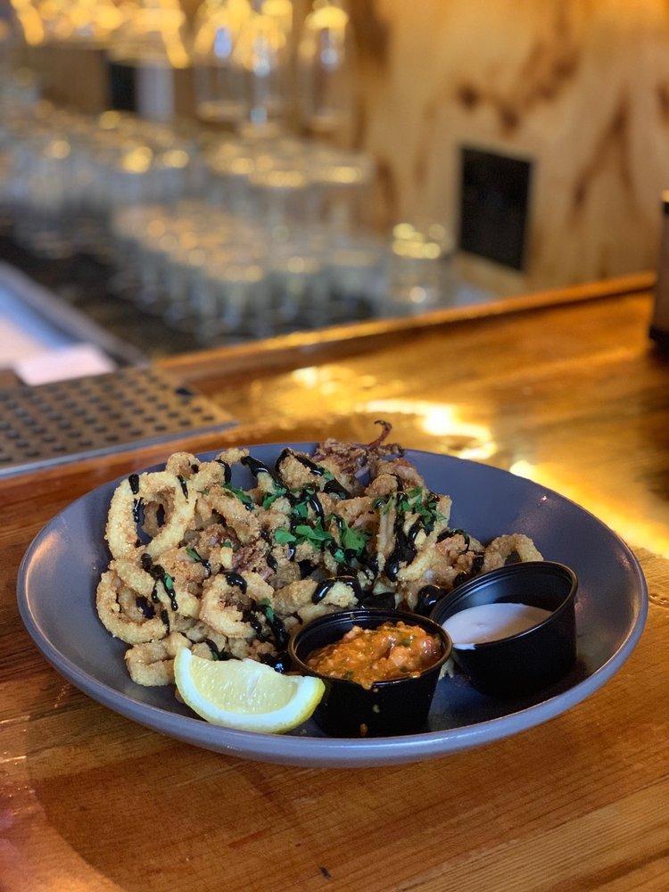 Squid Ink Eclectic Eats & Drinks: 102 Dauphin St, Mobile, AL