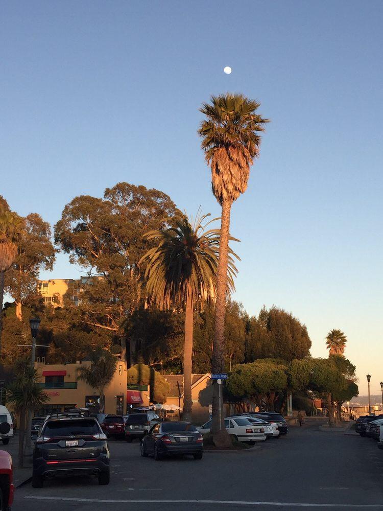Capitola Village: Capitola Ave & Monterey Ave, Capitola, CA