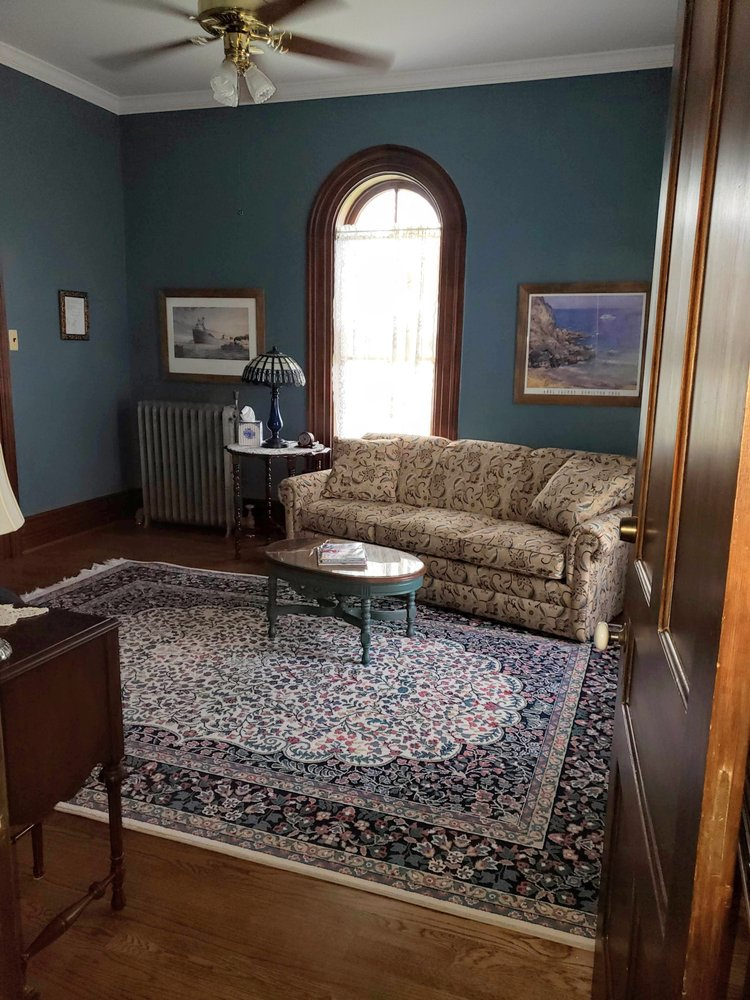 Inn the Garden Bed & Breakfast: 7156 Huron Ave, Lexington, MI