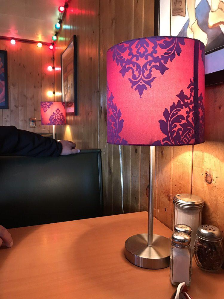 Beartree Tavern & Cafe: 2768 Hwy 130, Centennial, WY
