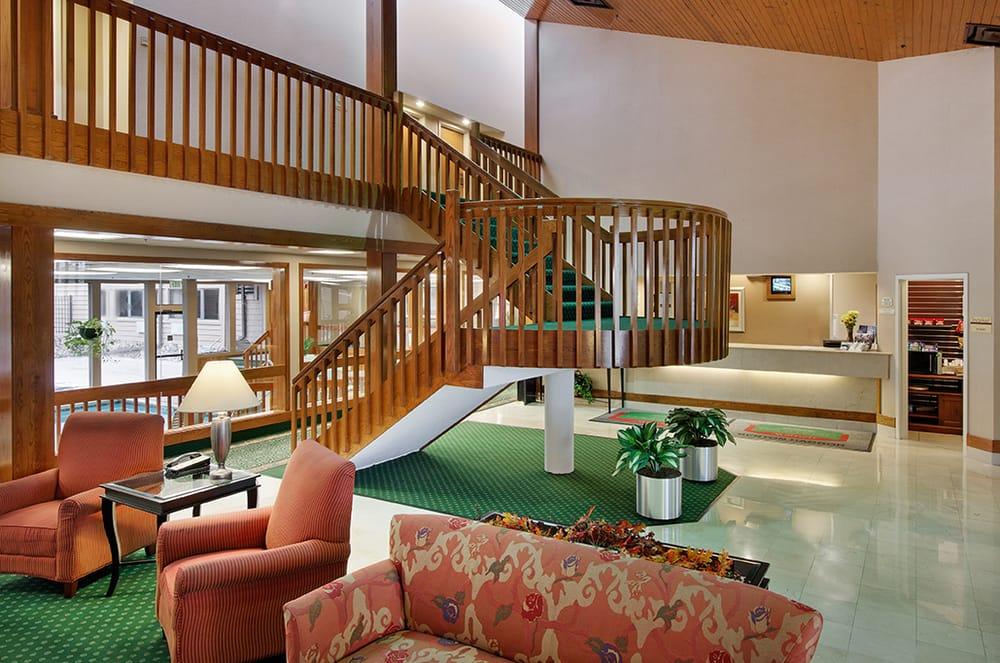 Hotels Near Benton Harbor Mi