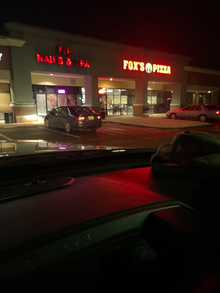 Fox's Pizza Den: 713 Clinton Pkwy, Clinton, MS