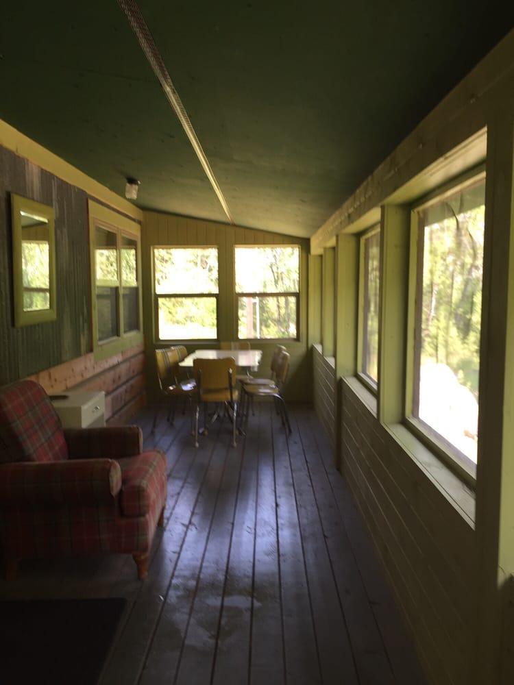 Emigrant Creek Cabins: 31 Emigrant Creek Rd, Pray, MT