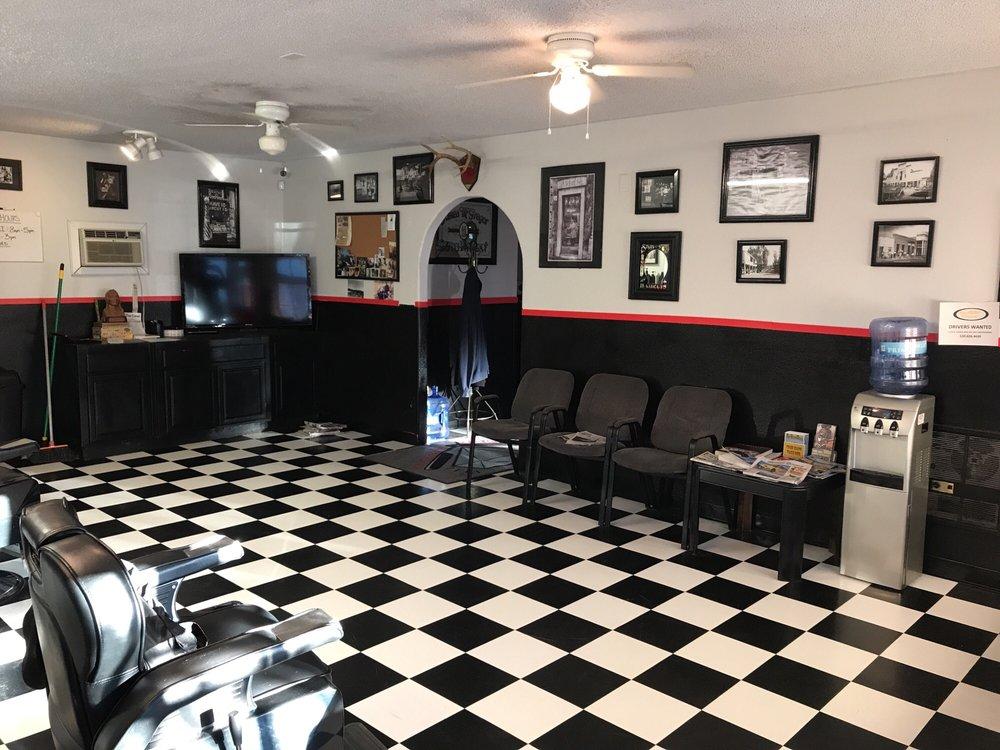 Diamond Barber Shop: 512 Pleasant Valley Rd, Diamond Springs, CA