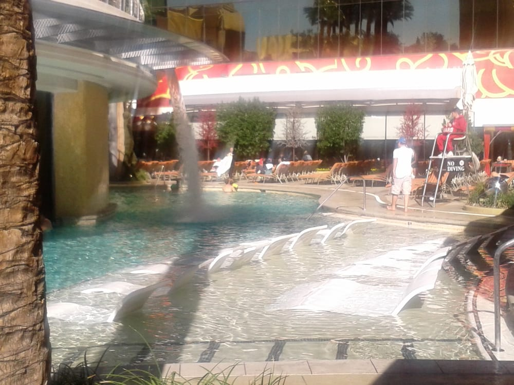 The Beautiful Pool Thats Open Year Round Its 2 Days B4 Christmas And Ppl Were N The Water Yelp
