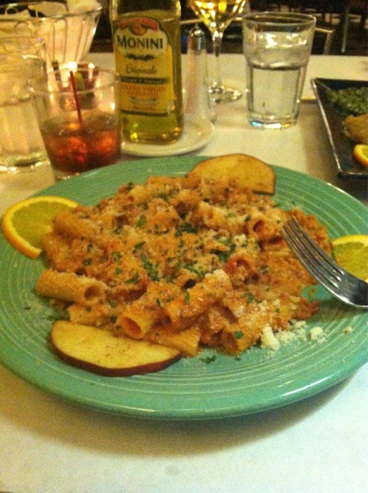 Alberto's Restaurant: 1409 La Salle St, Ottawa, IL