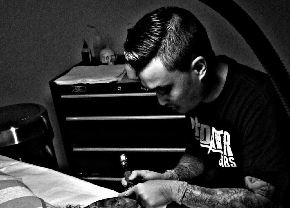 Charlie cu tattoo 102 fotos e 24 avalia es tatuagem for Charlie cu tattoo