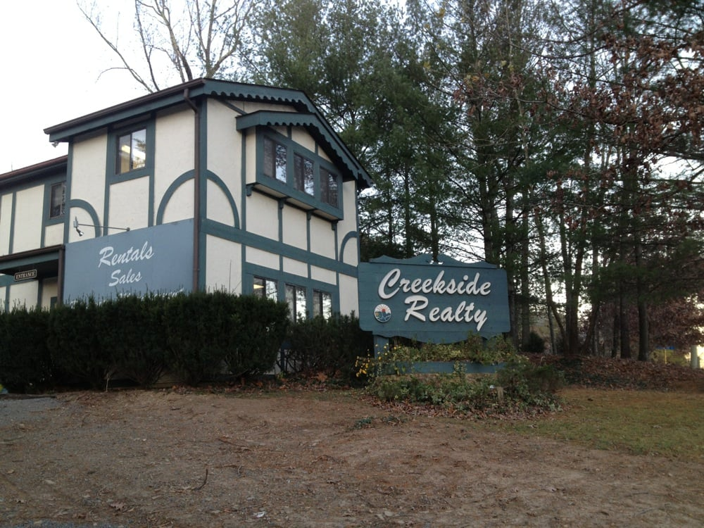 Creekside Realty: 39 Resort Dr, Basye, VA