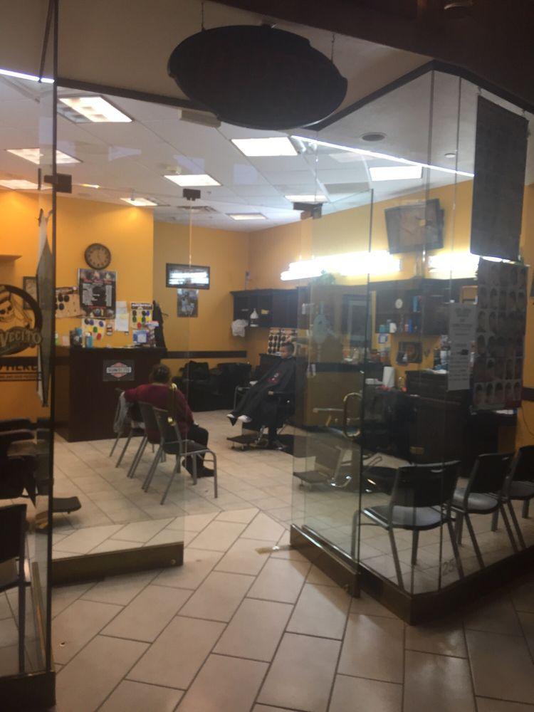 Metro Barber Shop: 3250 Gateway Blvd, Prescott, AZ