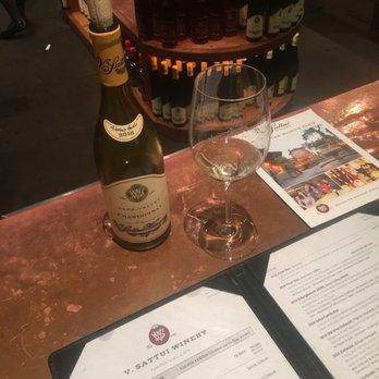V Sattui Winery 3984 Photos 3112 Reviews Wineries 1111 White Ln Saint Helena Ca