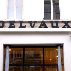 5a0fbf18146 Delvaux Handtassen - Lederen artikelen - Komedieplaats 17, Meir ...