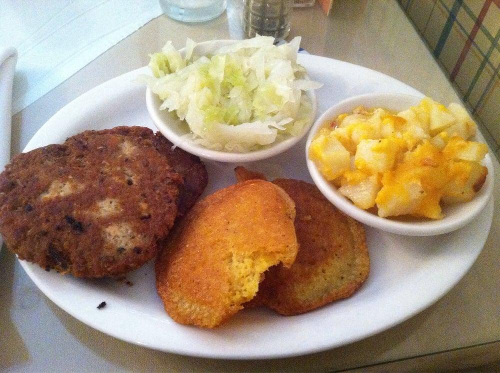Abigail's Tea Room: 4531 Fayetteville Rd, Lumberton, NC