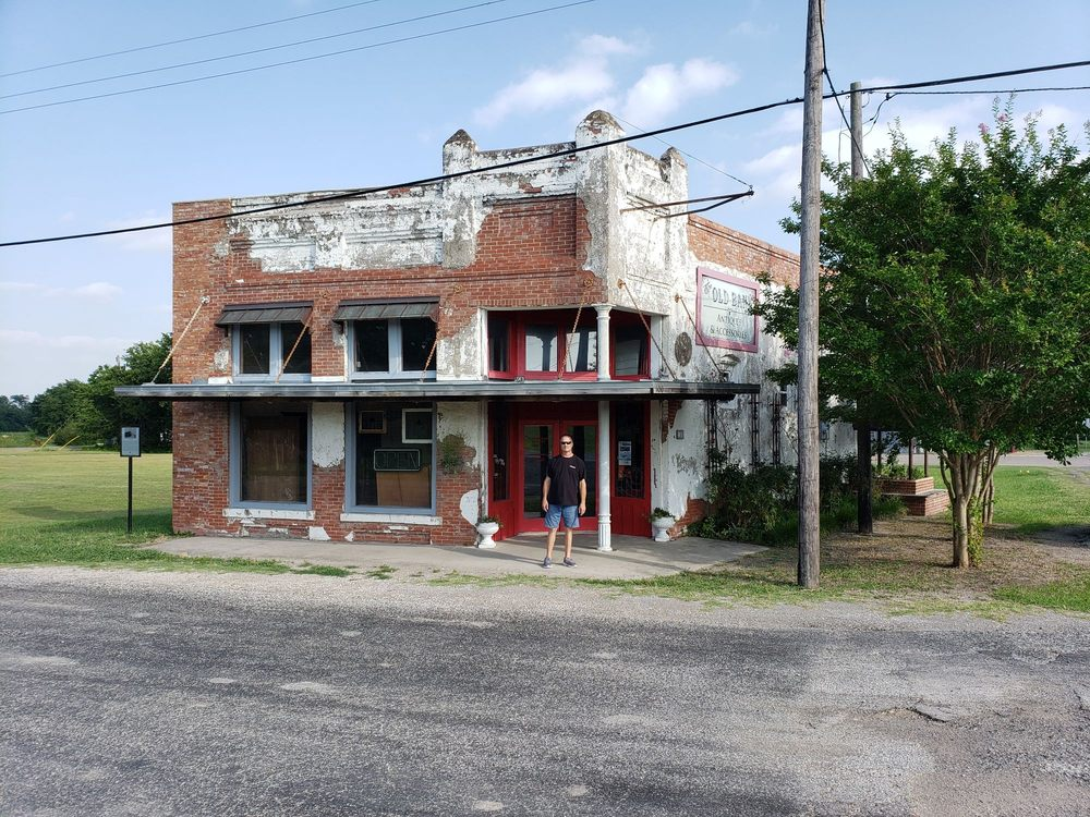 Bonnie and Clyde Movie Set: 100 Main St, Lavon, TX