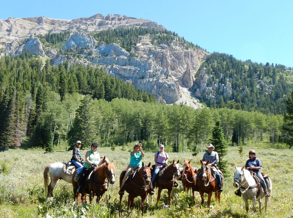 Green River & Bridger-Teton Outfitters: 138-2 Forty Rod Rd, Pinedale, WY