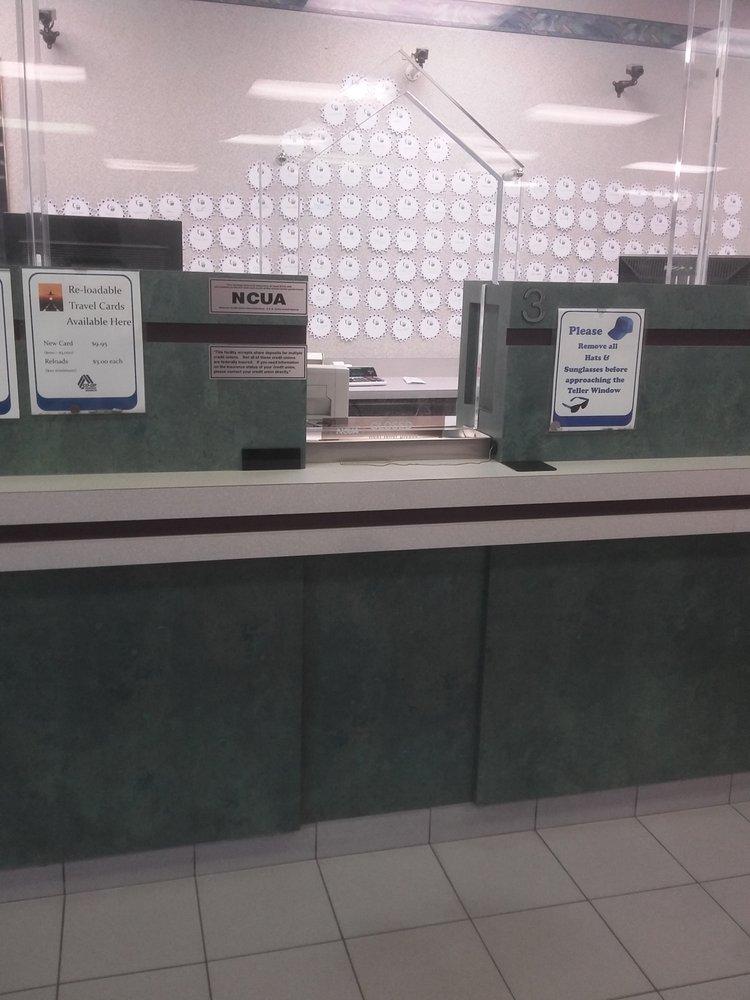 Credit Union Family Service Centers Bancos Y Cajas 18463 Livernois Ave Bagley Detroit Mi