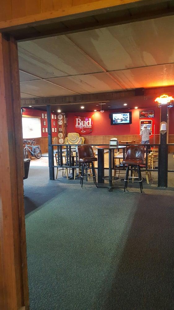 Palm Tavern: 603 9th St, Benton City, WA