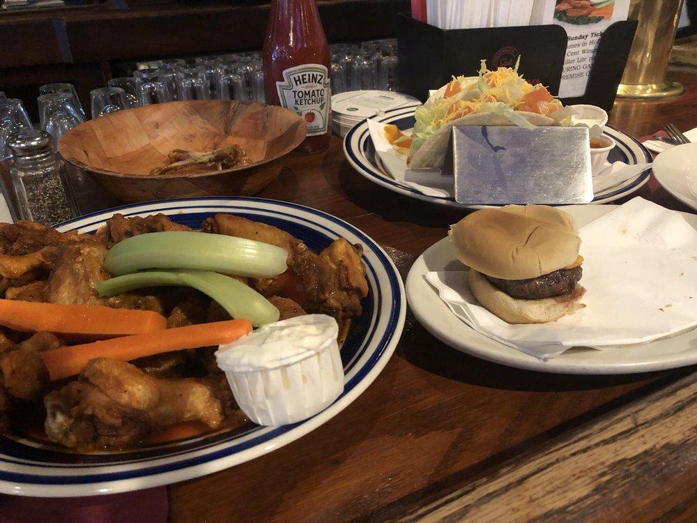 Boss Crokers Bar & Grill: 1871 Wantagh Ave, Wantagh, NY