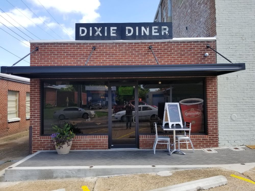 Dixie Diner: 100 W Madison St, Houston, MS