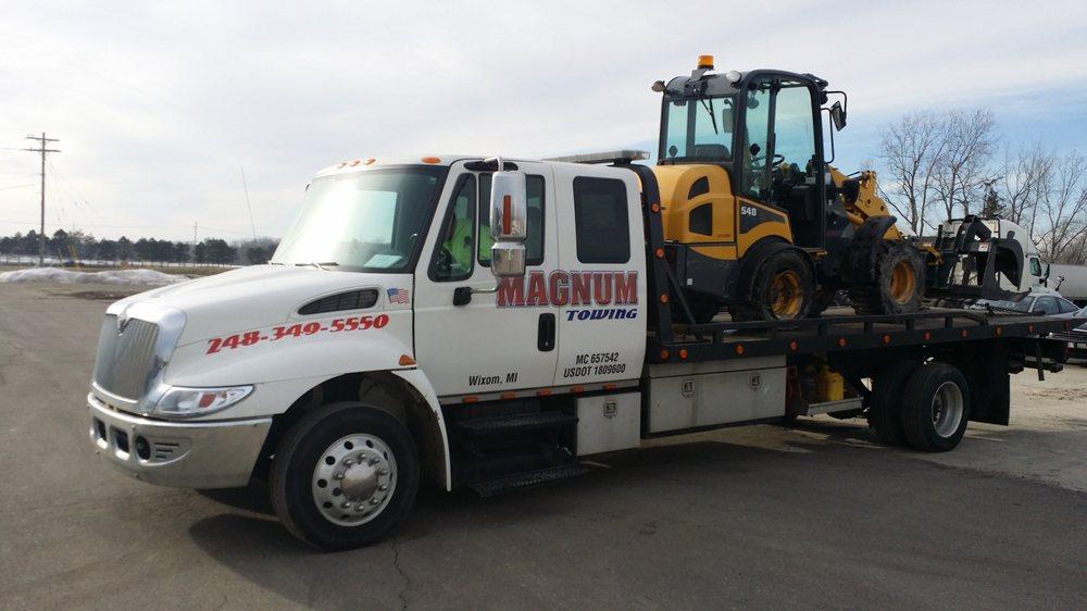 Magnum Towing: 13151 Newburgh Rd, Livonia, MI