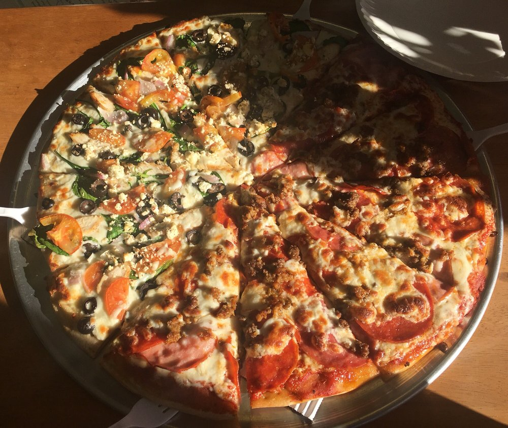 Mogul Mountain Pizza: 68278 US 26, Welches, OR
