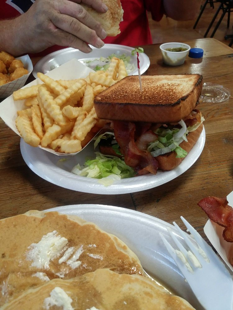 D. Boones Country Store & Cafe: 713 E Main St, Florence, TX