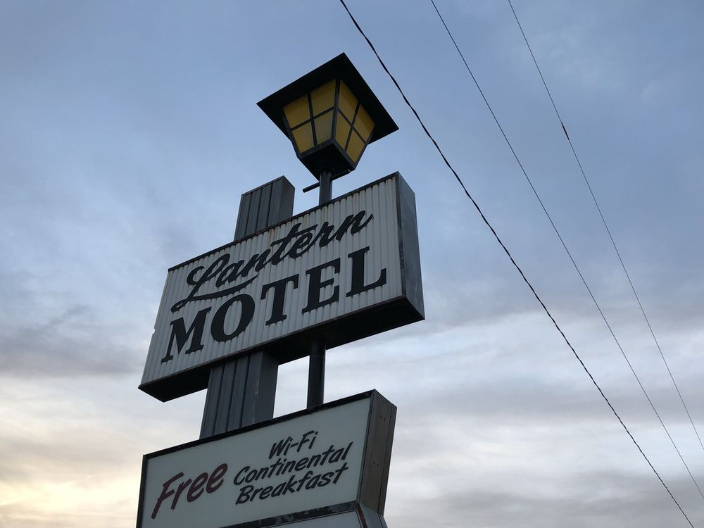 Lantern Motel: Highway 15 S, Milbank, SD