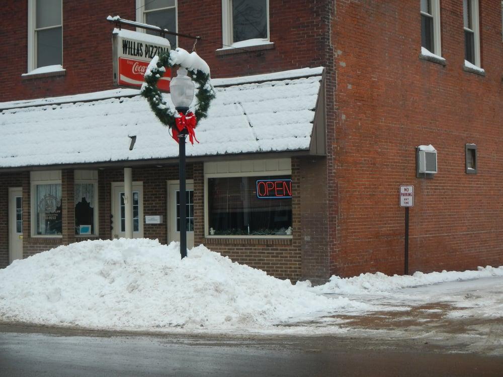 Willa's Pizzeria: 130 N Center St, Corry, PA