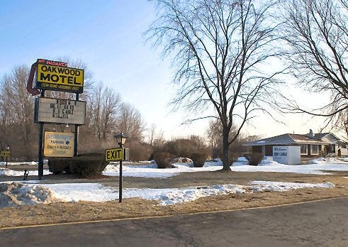 Oakwood Lodge Motel Hotels 8810 S 27th St Oak Creek Wi Phone Number Yelp