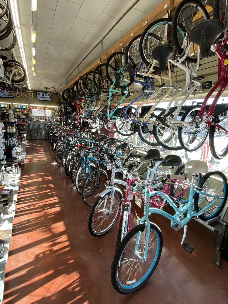 Rock On Wheels Bicycle Shop: 900 E Lincolnway, Cheyenne, WY