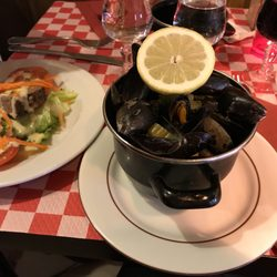 P O Of Le Saint Severin Paris France Mussels 10 Euro Three Course Meal