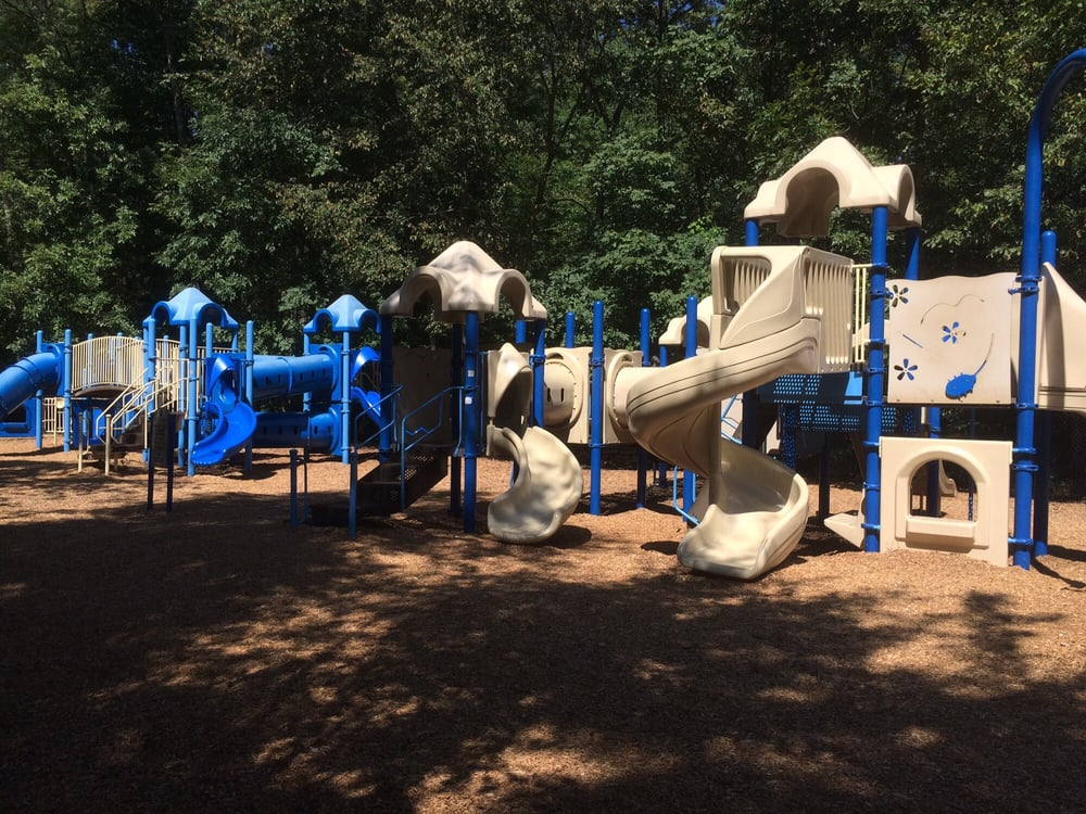 Potomac Lakes Sportsplex: 20280 Cascades Pkwy, Sterling, VA