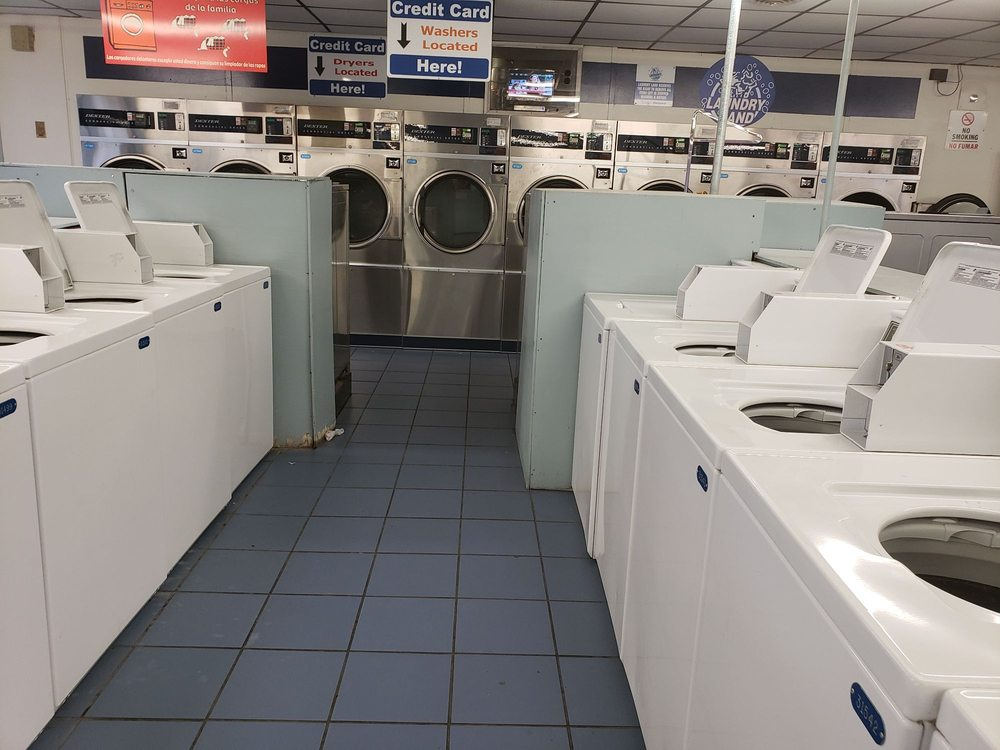 Sandston Laundry Land: 31 Williamsburg Rd, Sandston, VA