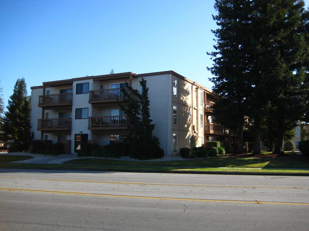 Saratoga savoy apartments appartement meubl 1255 for La fenetre apartments san jose