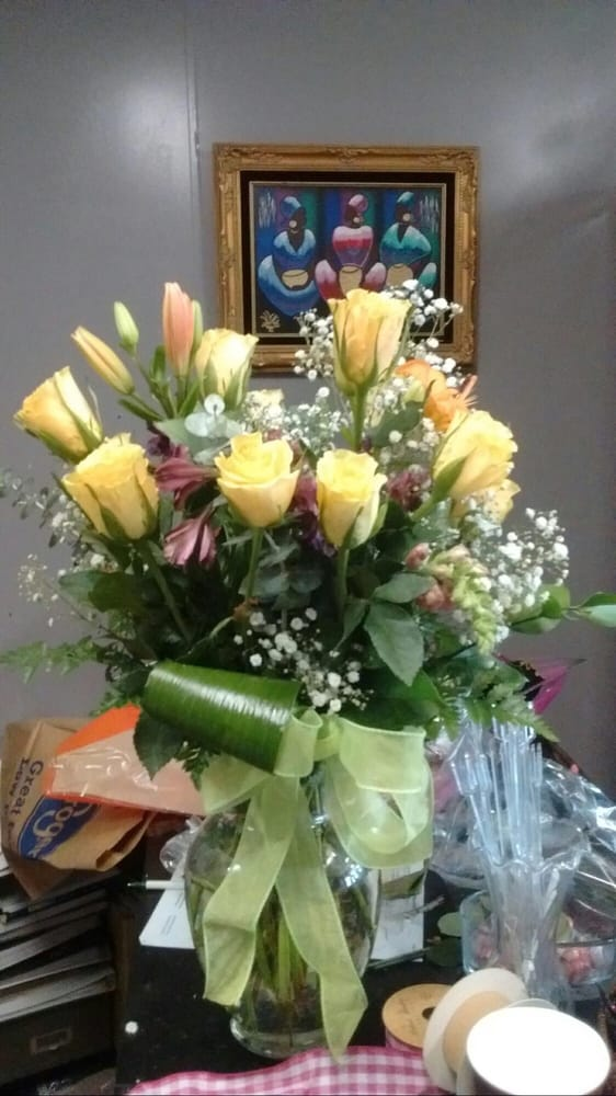 Ms Brown's Grandaughter Flowers & Gifts: 621 Market St, Port Gibson, MS