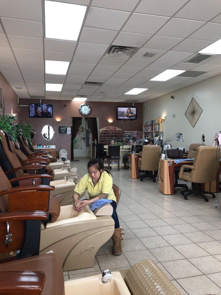 Maple Nails: 14513 W Maple Rd, Omaha, NE