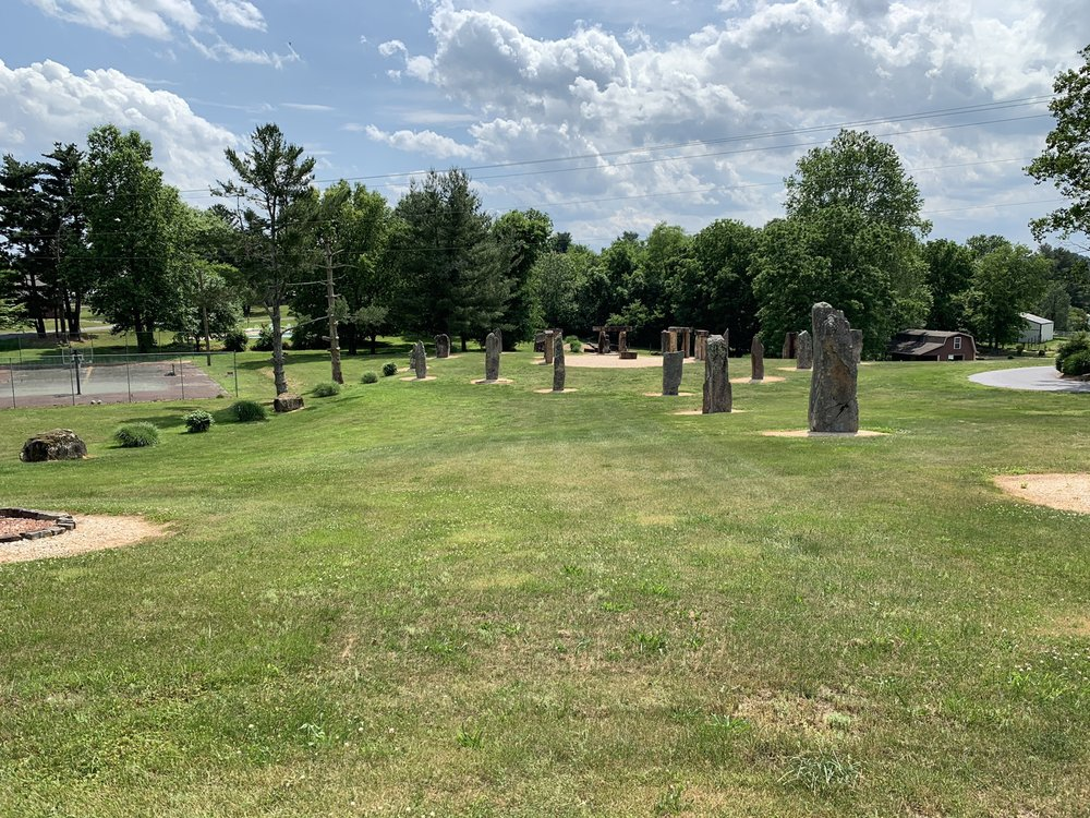 Kentucky Stonhenge: 201 Lynn Ave, Munfordville, KY