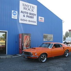 Rock Auto Phone Number >> Smith Rock Auto Body Paint Body Shops 925 Nw Central